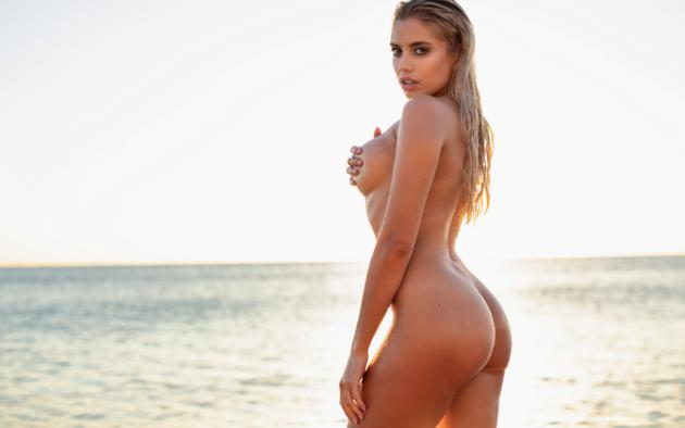 Sexy ass and boobies nude