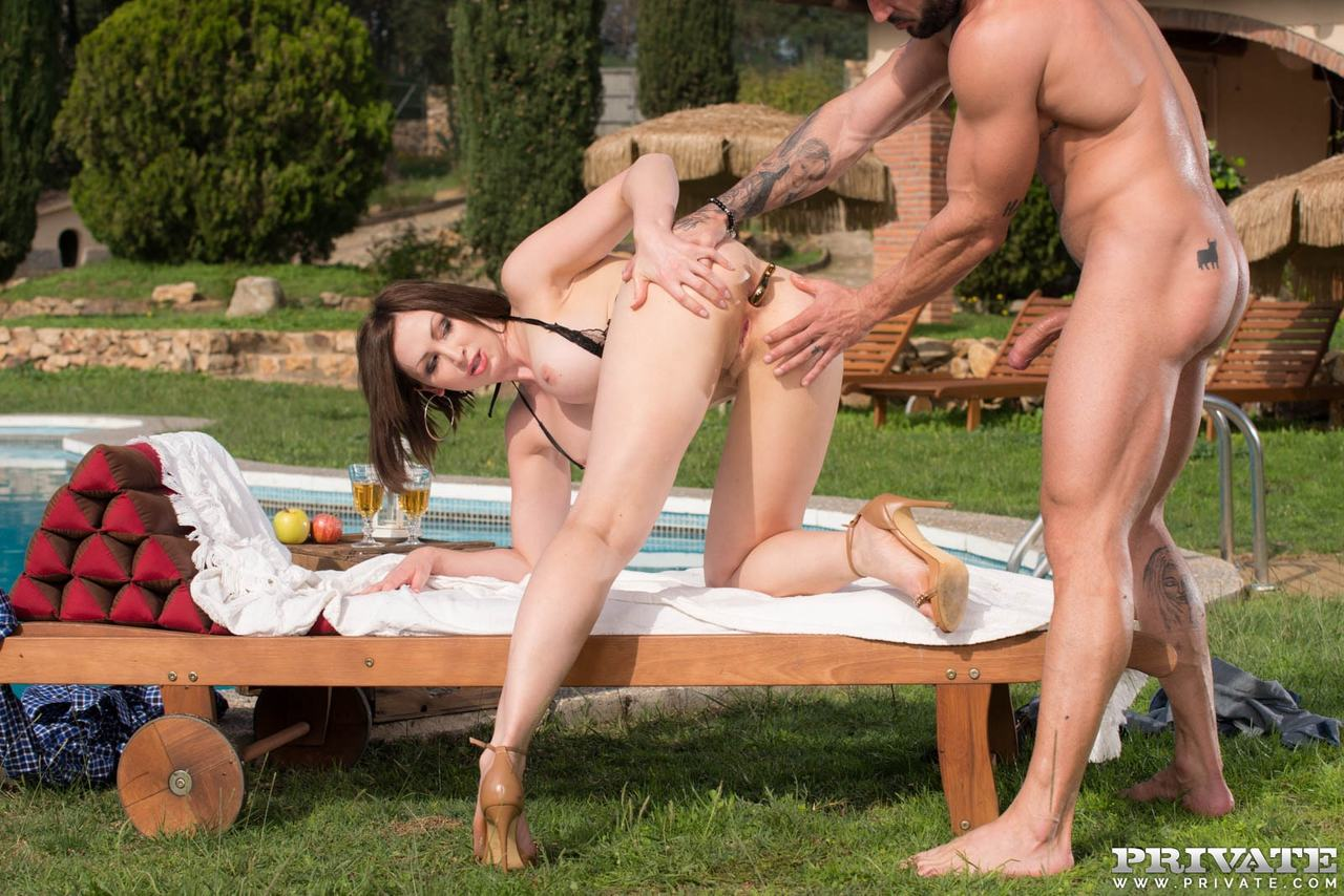 Outdoor 3some