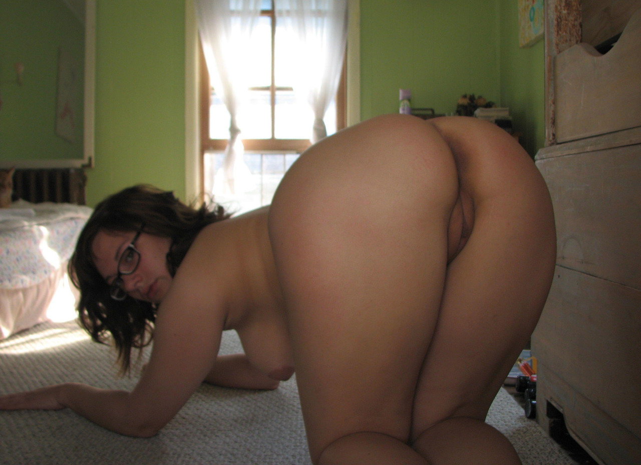 Chubby naked ass bent over